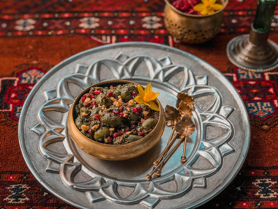 Zeytoon parvardeh - Hot and cold nature in Persian food culture